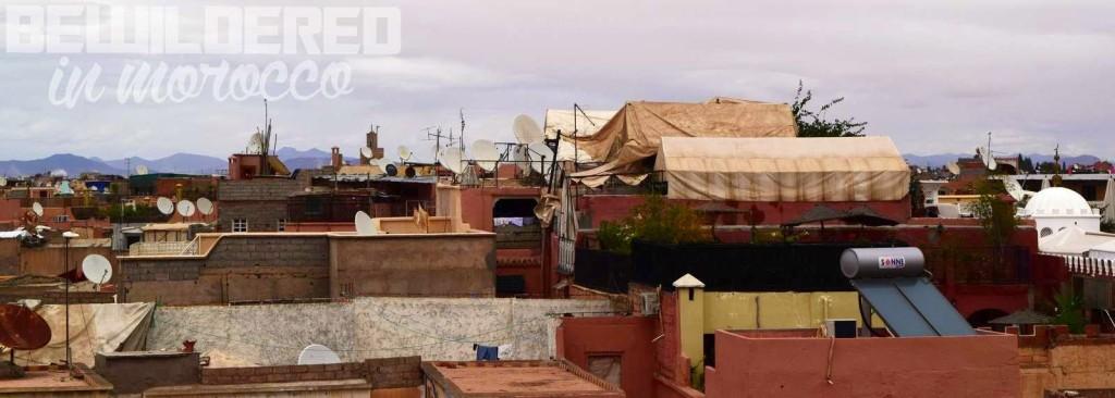 marrakesh marrakech marakesz ryanair tanie loty cheap flights budget airport morocco medina old town market bazaar souk suk rooftop danger tiny alley blind street zafon