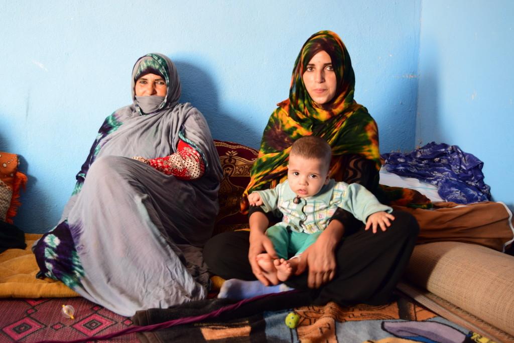 moroccan nomads nomad digital nomadic genes wanderlust tea mint tea muslim islamic hijab berber amazigh sahara desert tent mother daughter kid