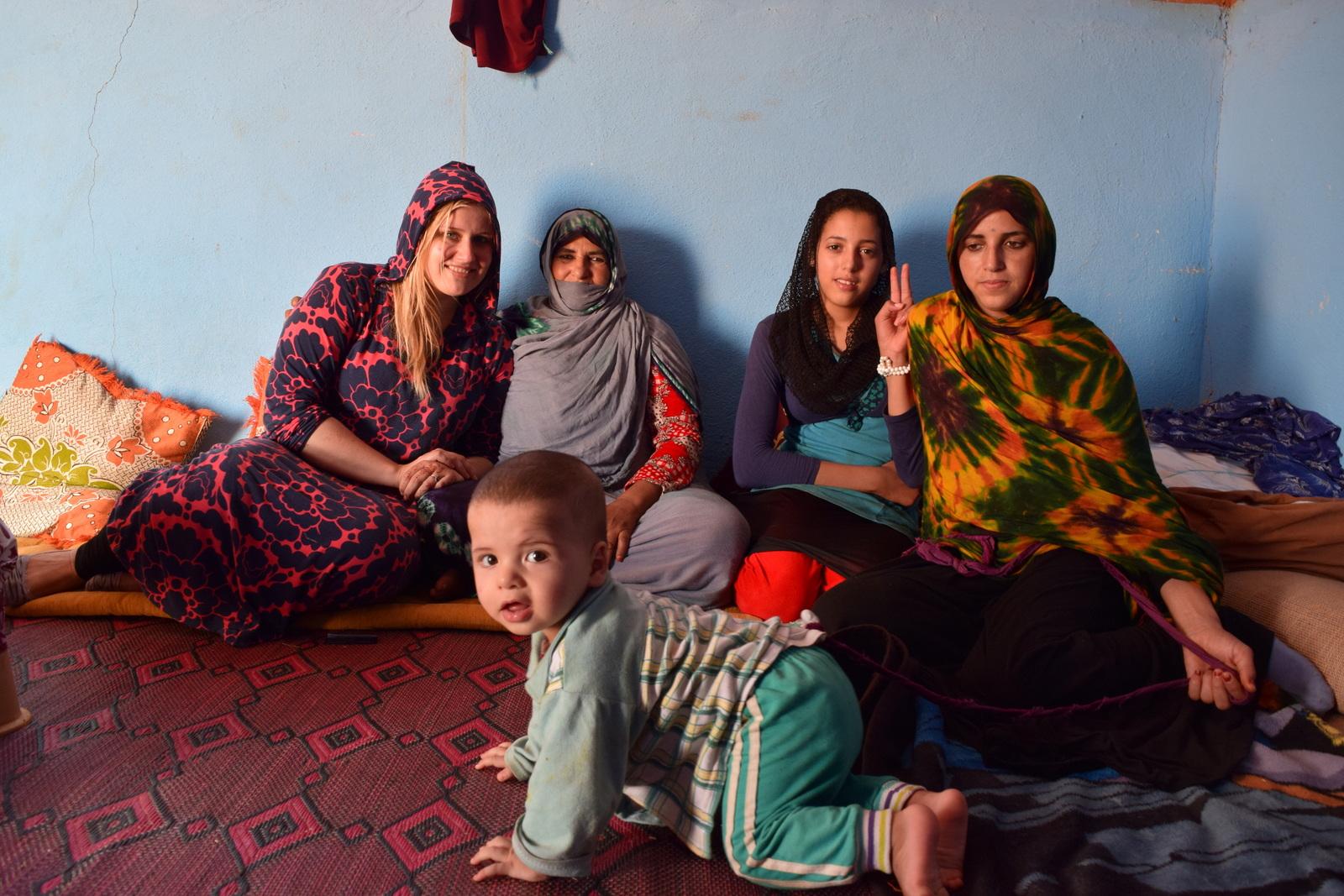 moroccan nomads nomad digital nomadic genes wanderlust tea mint tea muslim islamic hijab berber amazigh sahara desert tent