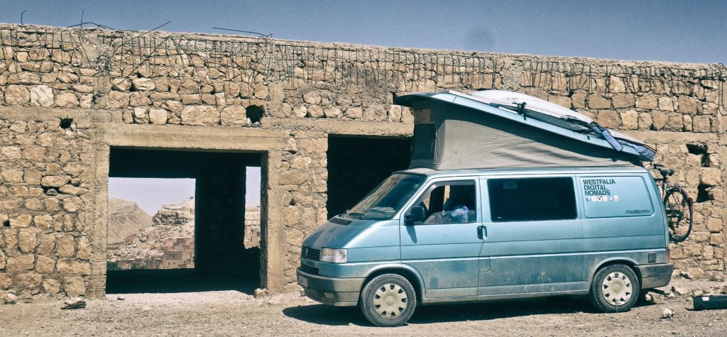 Ait ben haddou Parking mork westfalia digital nomads